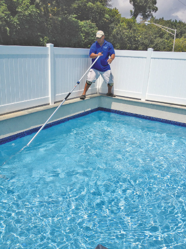 mw-ent-042314-pool