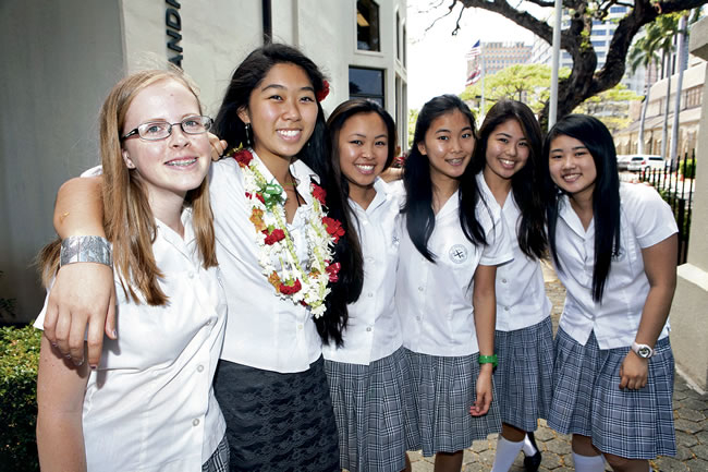 Carolyn Morris, Kelley Ige, Catherine Ching, Megan Ho, Alyssa Fujiwara and Ellie Miyashiro